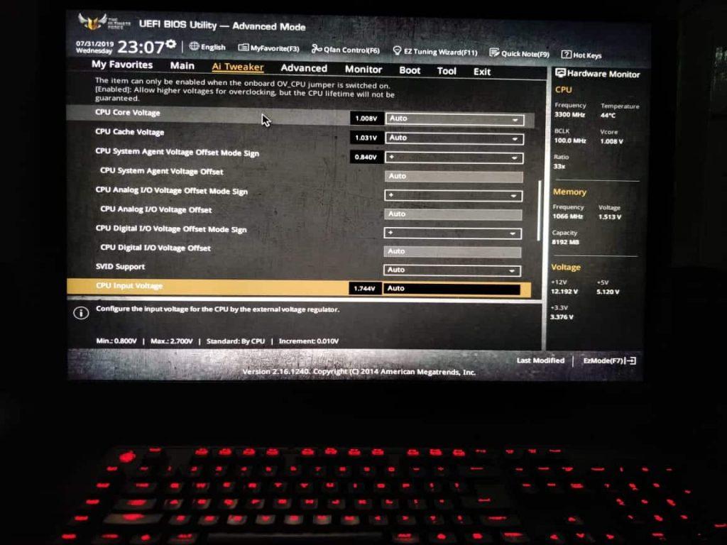 Undervolting through BIOS settings B